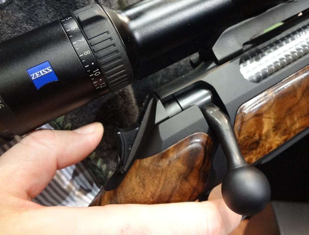 Wie zur Sicherung einer Waffe sicher in