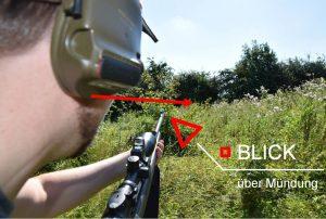 Blickrichtung und Waffenhaltung bei der jagdlichen Erwartungshaltung